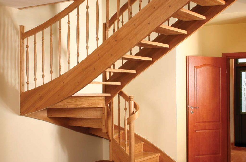 Деревянные лестницы, сроки изготовления и монтажа