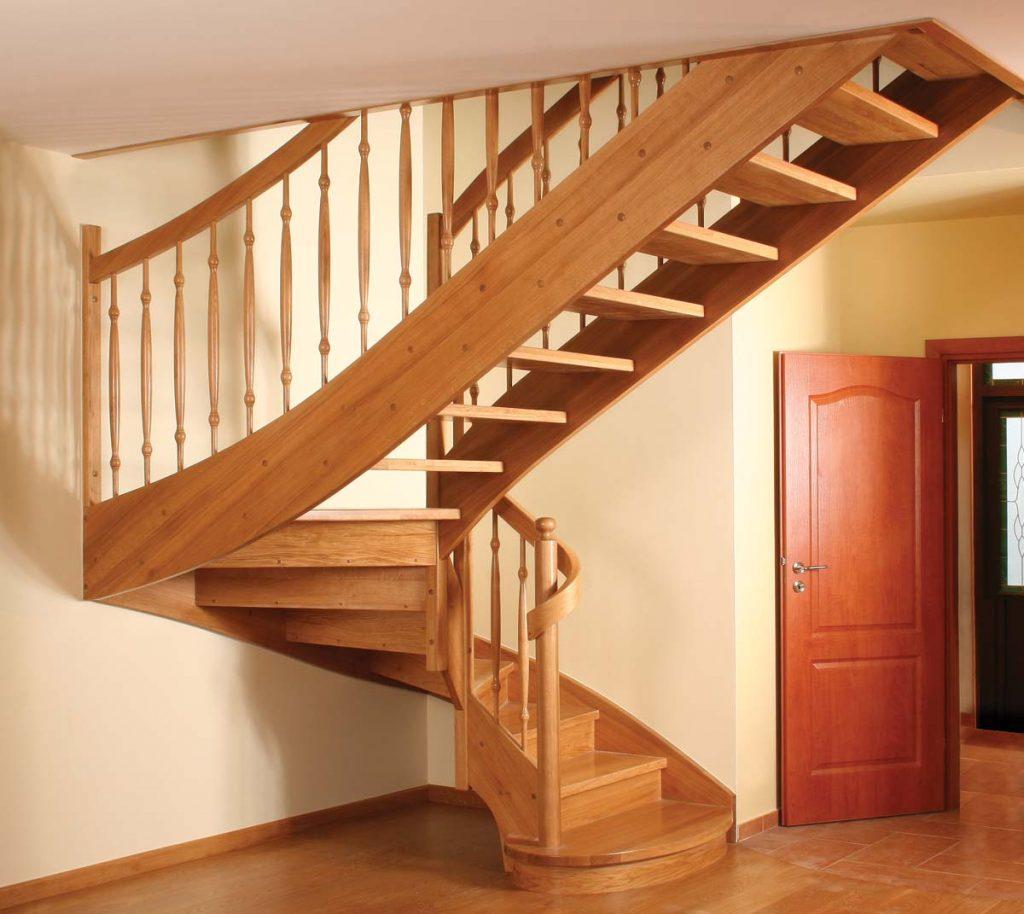 Деревянные лестницы, сроки изготовления и монтажа фото