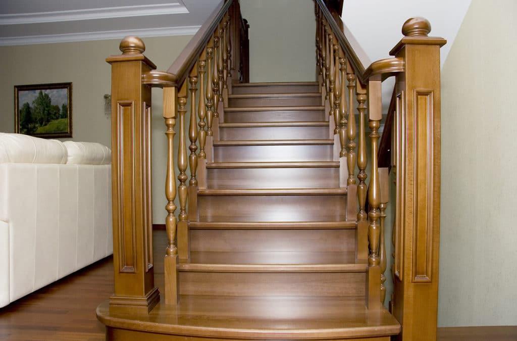 Лестницы из дерева: популярные породы древесины
